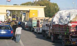 إدخال 10 أطنان مساعدات طبية مصرية و6 شاحنات سولار لغزة