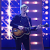 George Ezra performou o hit 'Budapest' no palco do BRIT Awards 2015
