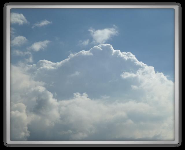 mooie lucht blauw met wolken