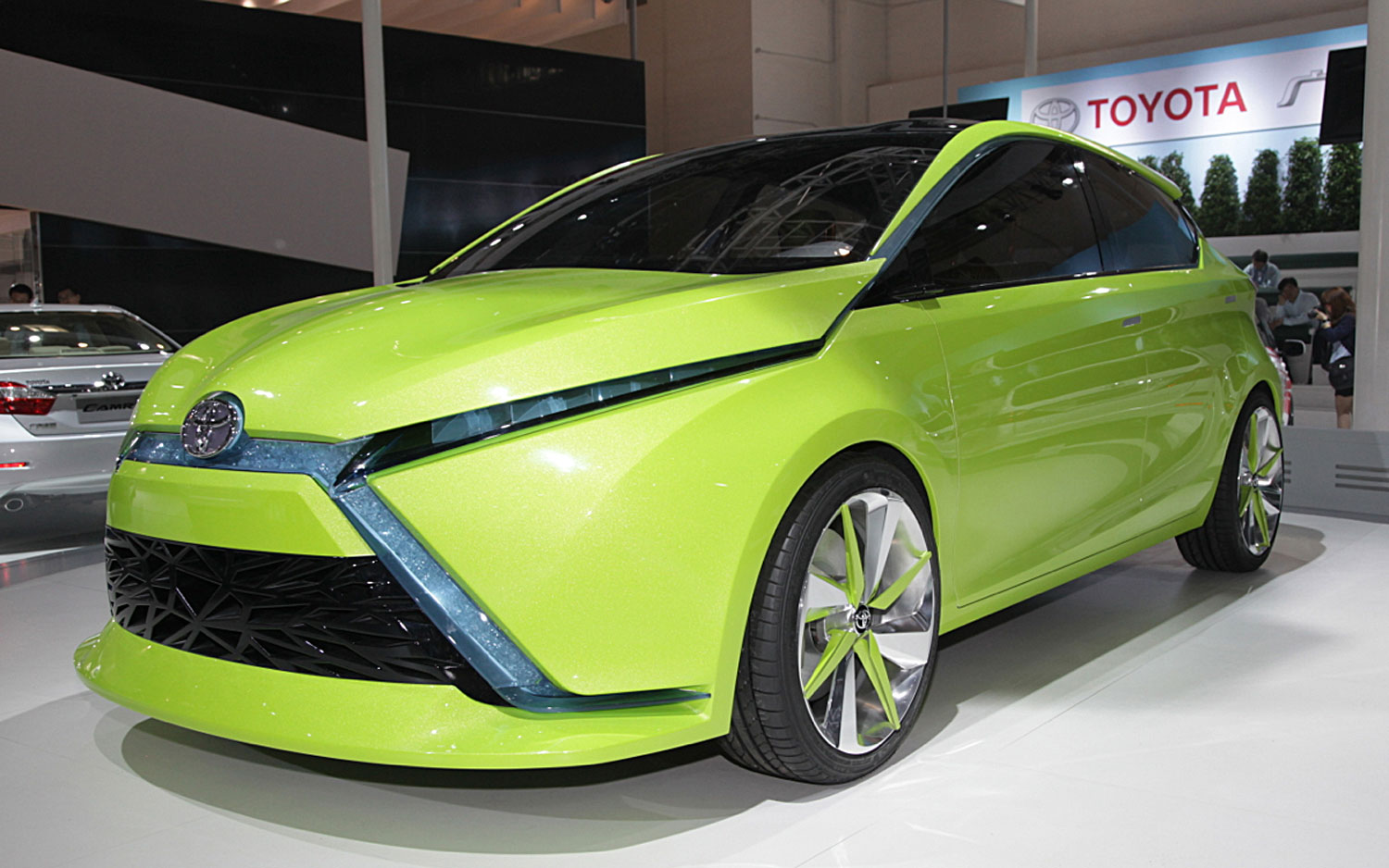 Sport car garage toyota dear qin concepts 2012 for Garage toyota foetz