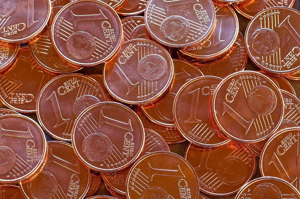 Coniare un centesimo ne costa quattro