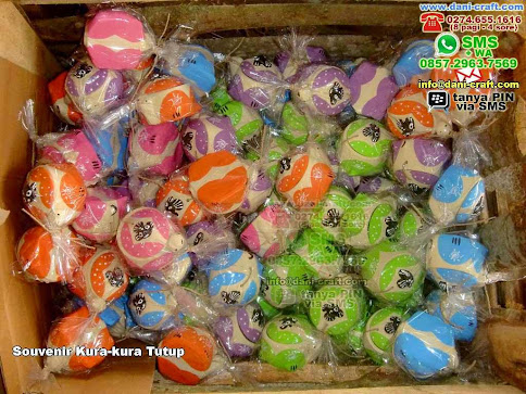 Souvenir Kurakura Tutup Clay Gresik Jawa Timur