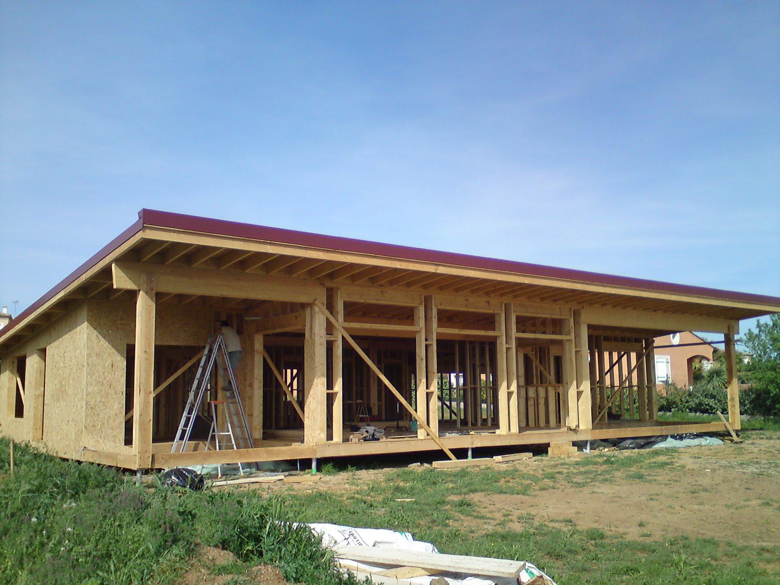 Construction maison cologique bois bbc les bacs acier et les rives les finitions du toit - Acier s ...