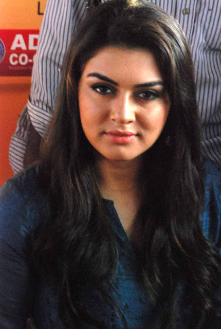 hansika at chennai food bank