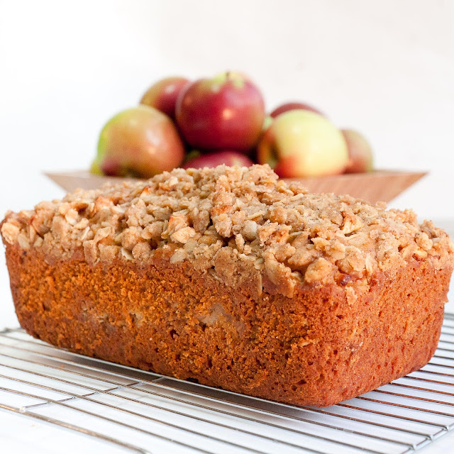 apple, crumble, loaf, bread, cinnamon, oatmeal, fall, breakfast