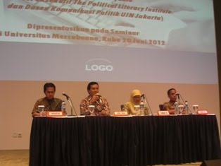 Seminar Komunikasi Politik