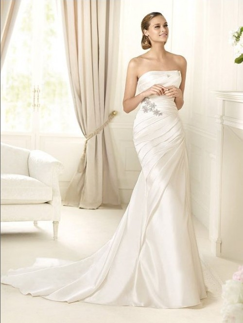 Bride In Dream Gorgeous Sheath Wedding Dress Adds A Touch
