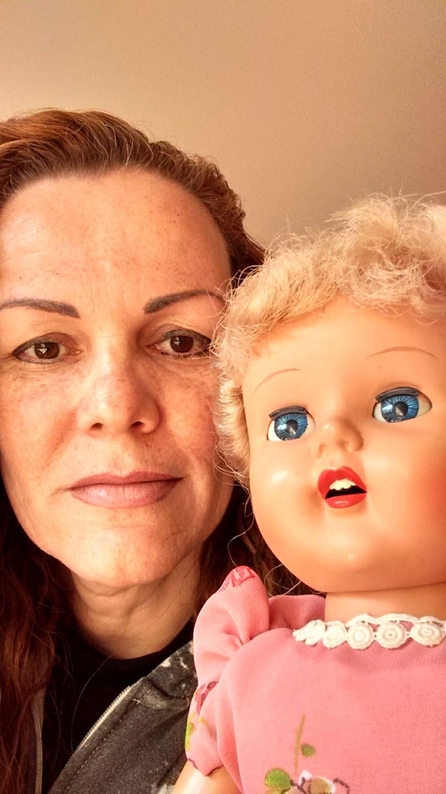 Angela das bonecas