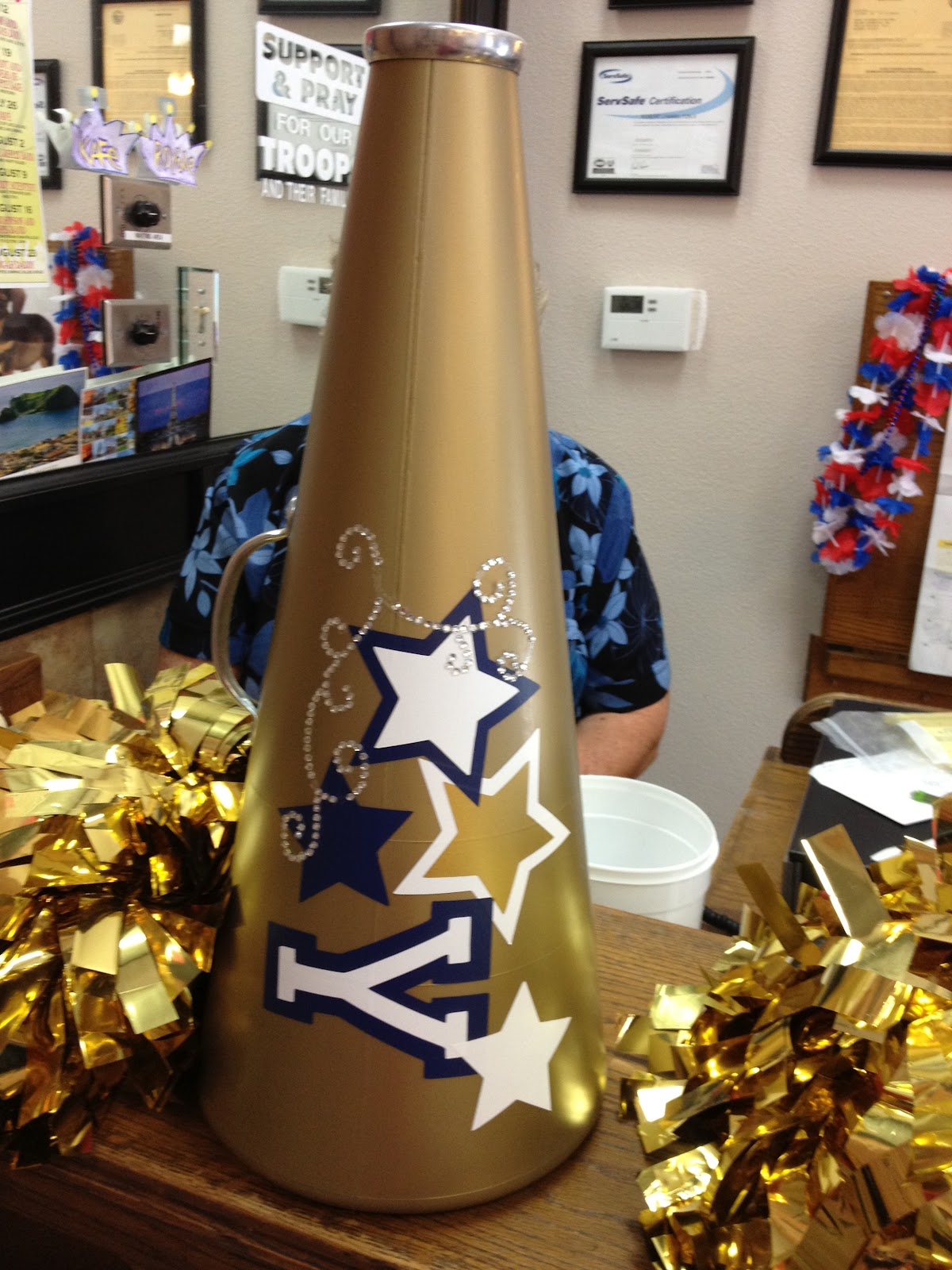 Cheer Cheerleading Megaphone Cake Ideas And Designs
