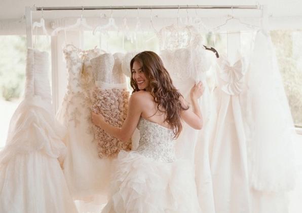 eligiendo vestido de novia