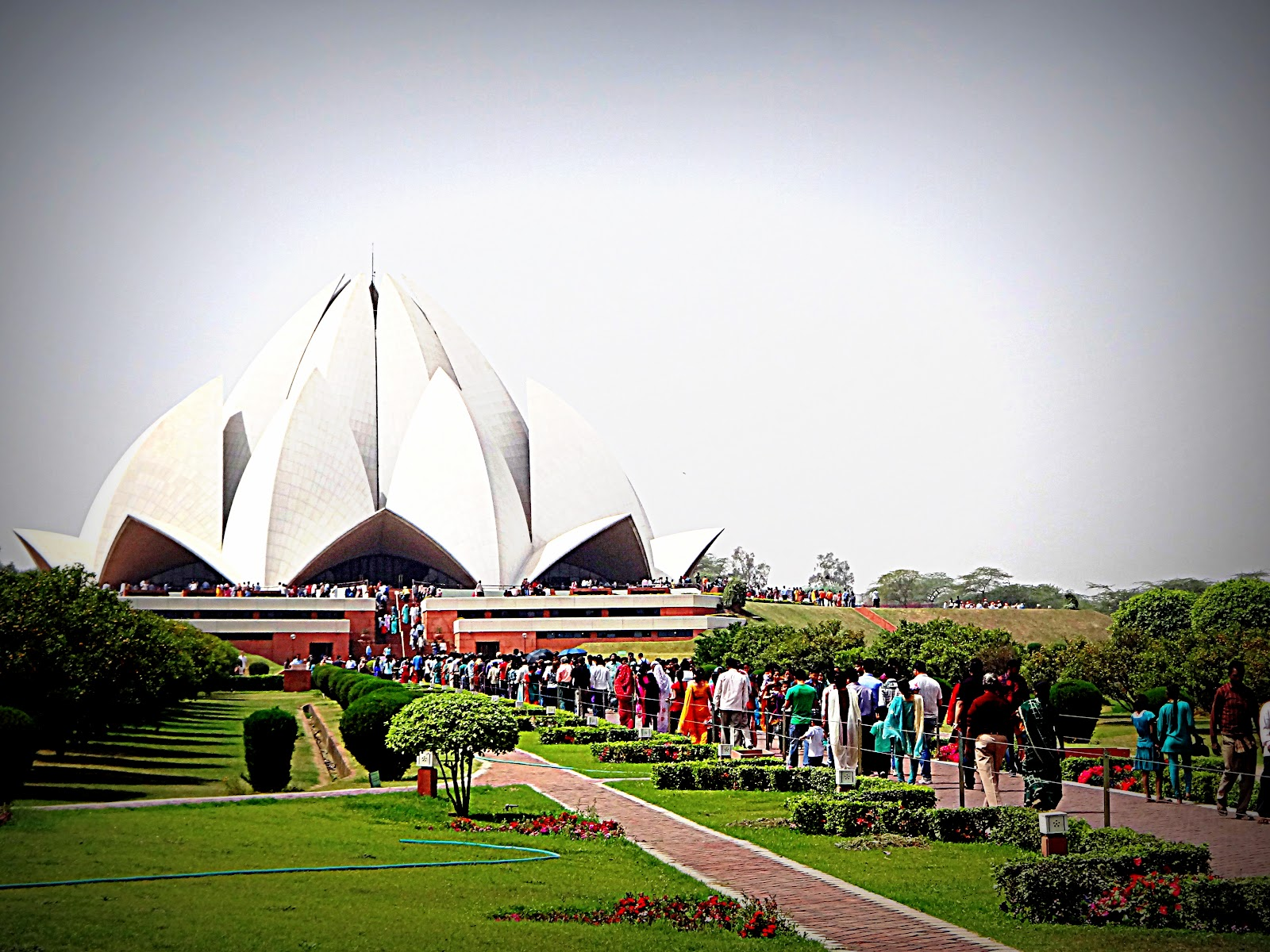 India sa aking mga mata bah 39 house of worship lotus for The lotus temple