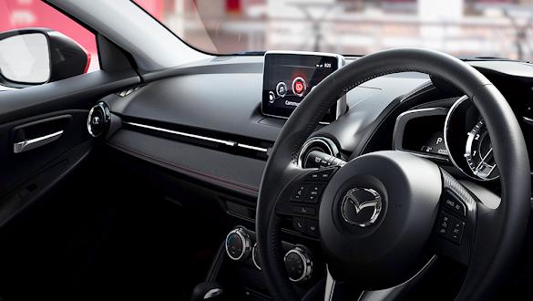Interior Mazda 2 SkyActiv 2015
