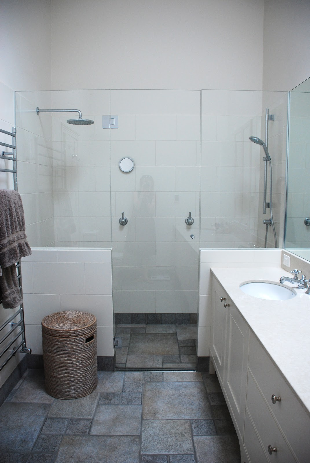 Limestone tile bathroom