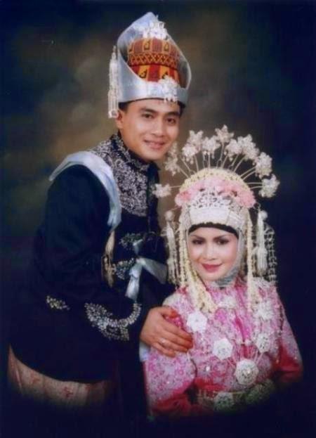 Model baju pengantin muslim aceh