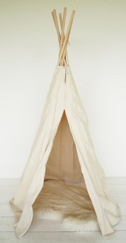 un tipi pour no l pour mes jolis m mes mais pas que. Black Bedroom Furniture Sets. Home Design Ideas