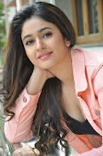 Poonam Bajwa latest sizzling photos-thumbnail-18