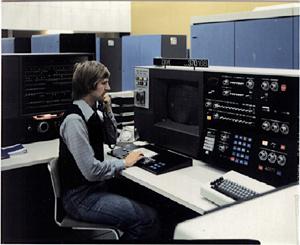 Komputer Generasi IV (1970-1980-an)