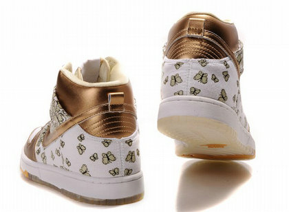 new style ac734 3ec67 The back of the gold nike dunk is also looks very beauty.As the flowers  have many butterflies flying. The anckle and the nike swoosh are all gold  colors on ...