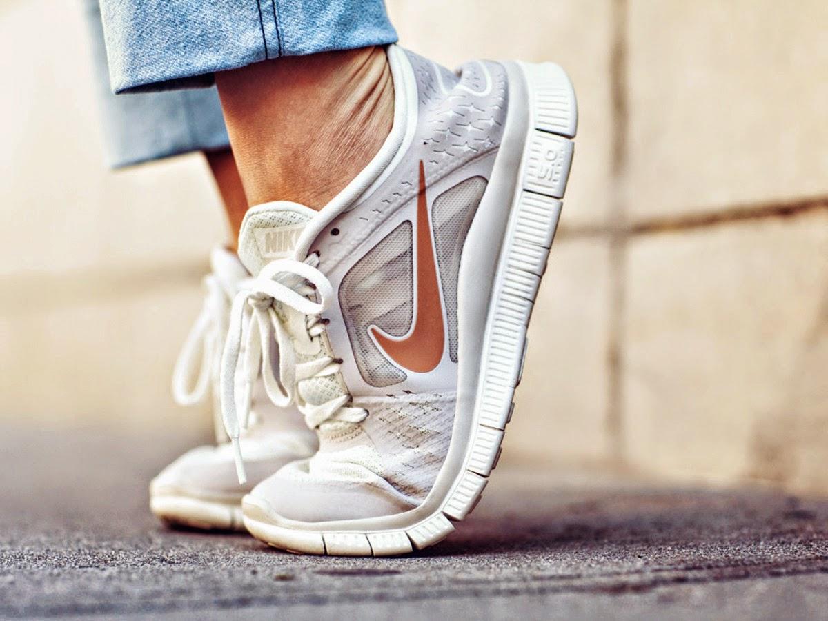 Types of shoes: Sneakers - Tipos de zapatos: Zapatillas