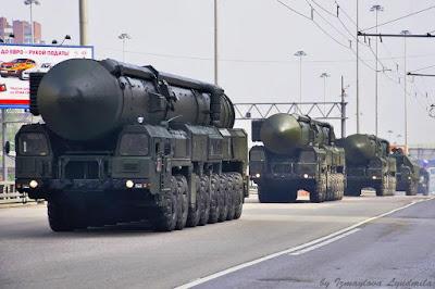 la-proxima-guerra-rusia-activa-disuasion-nuclear-misiles-nucleares-topol