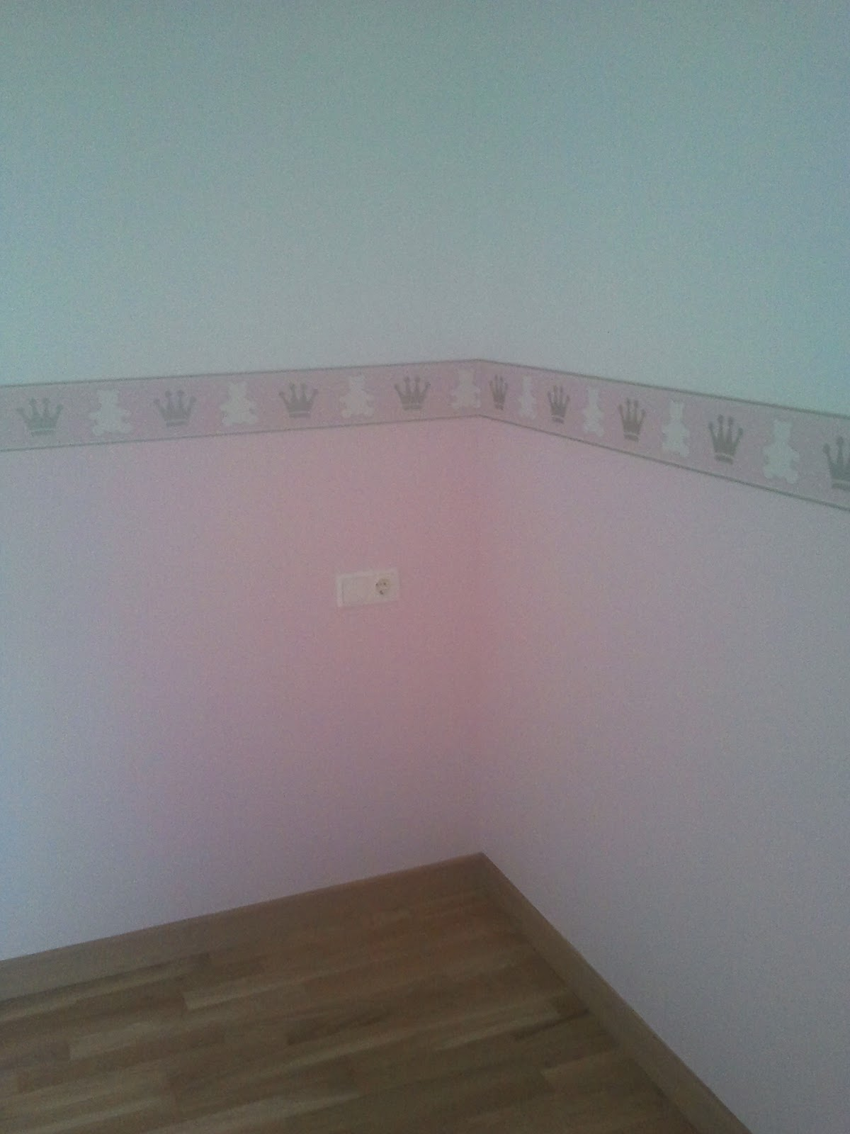 Pin cenefa de papel pintado beaufort ornamenta on pinterest - Cenefas de papel ...