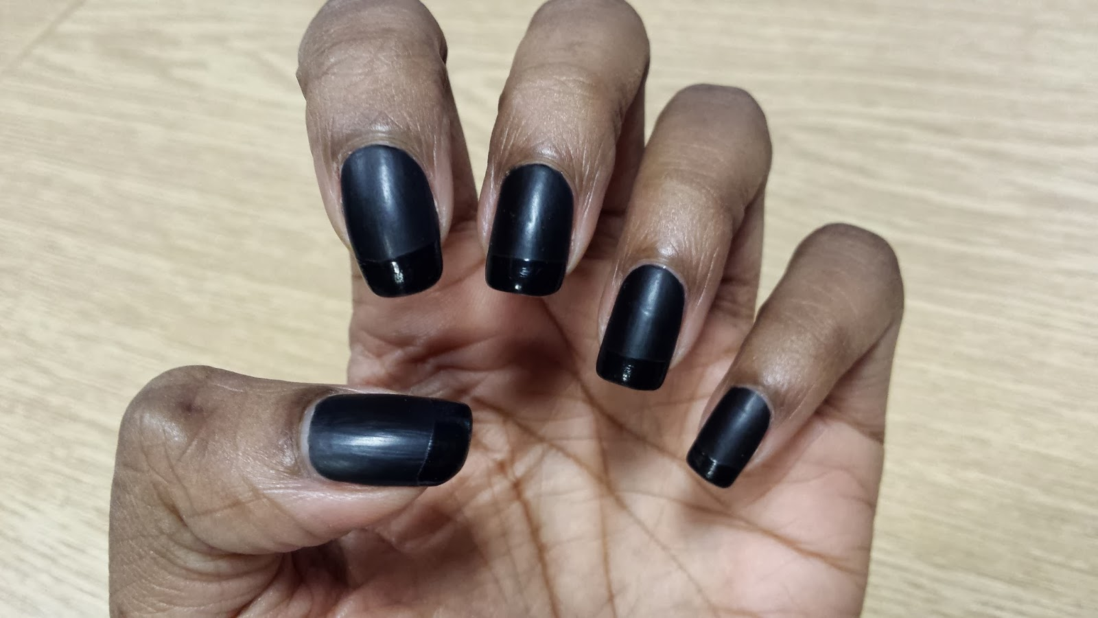 ArtzeeNailz: Matte Black & Glossy Tips