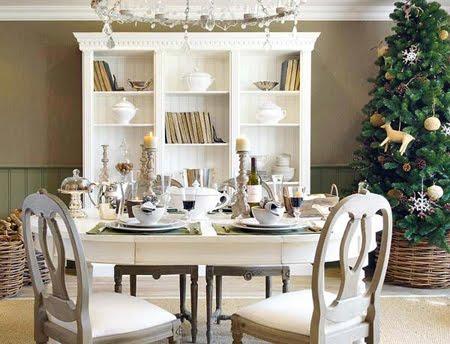 Украса за маса със свещи и свещници