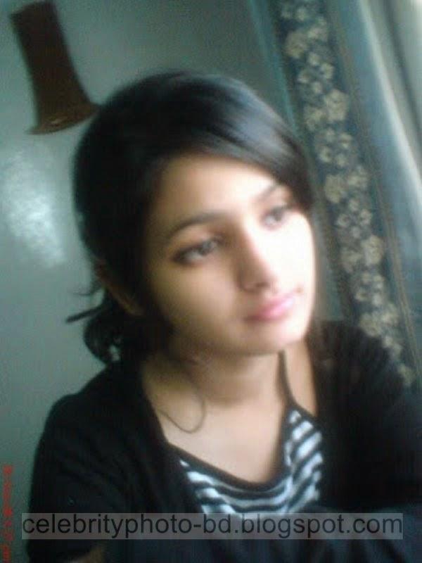 Pakistani+Cute+Girl+Maria+Photos+Album009