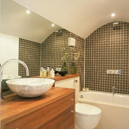 kamar mandi mungil sederhana