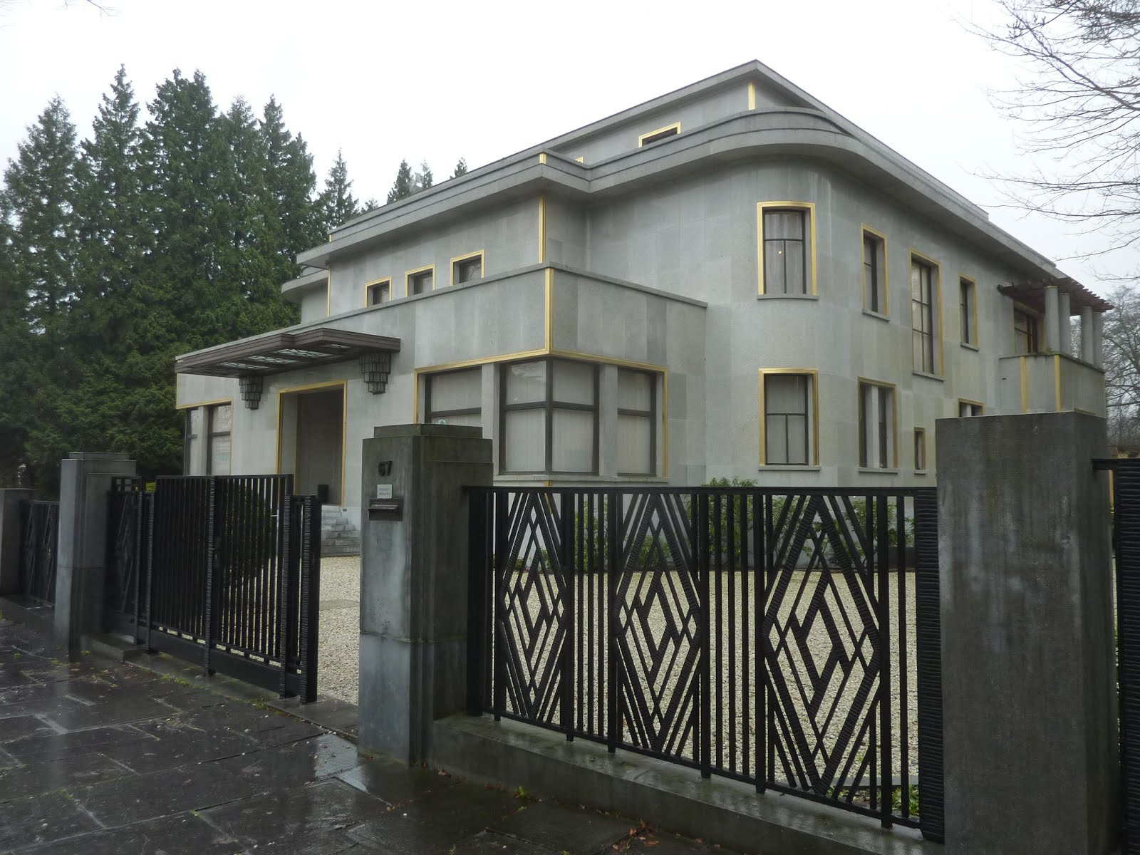 Parisienne buissonni re bruxelles ann es trente la villa for Bois de la chambre bruxelles
