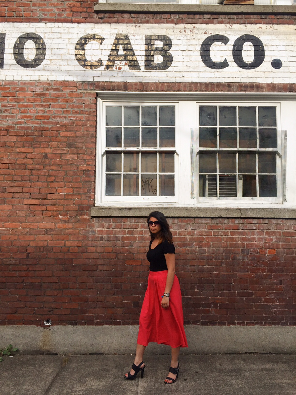 culottes, split skirt, gauchos, outfit of the day, fashion blogger, portland blogger, pdx street style, black sunglasses, black scrappy sandals, pink, theptowngirls