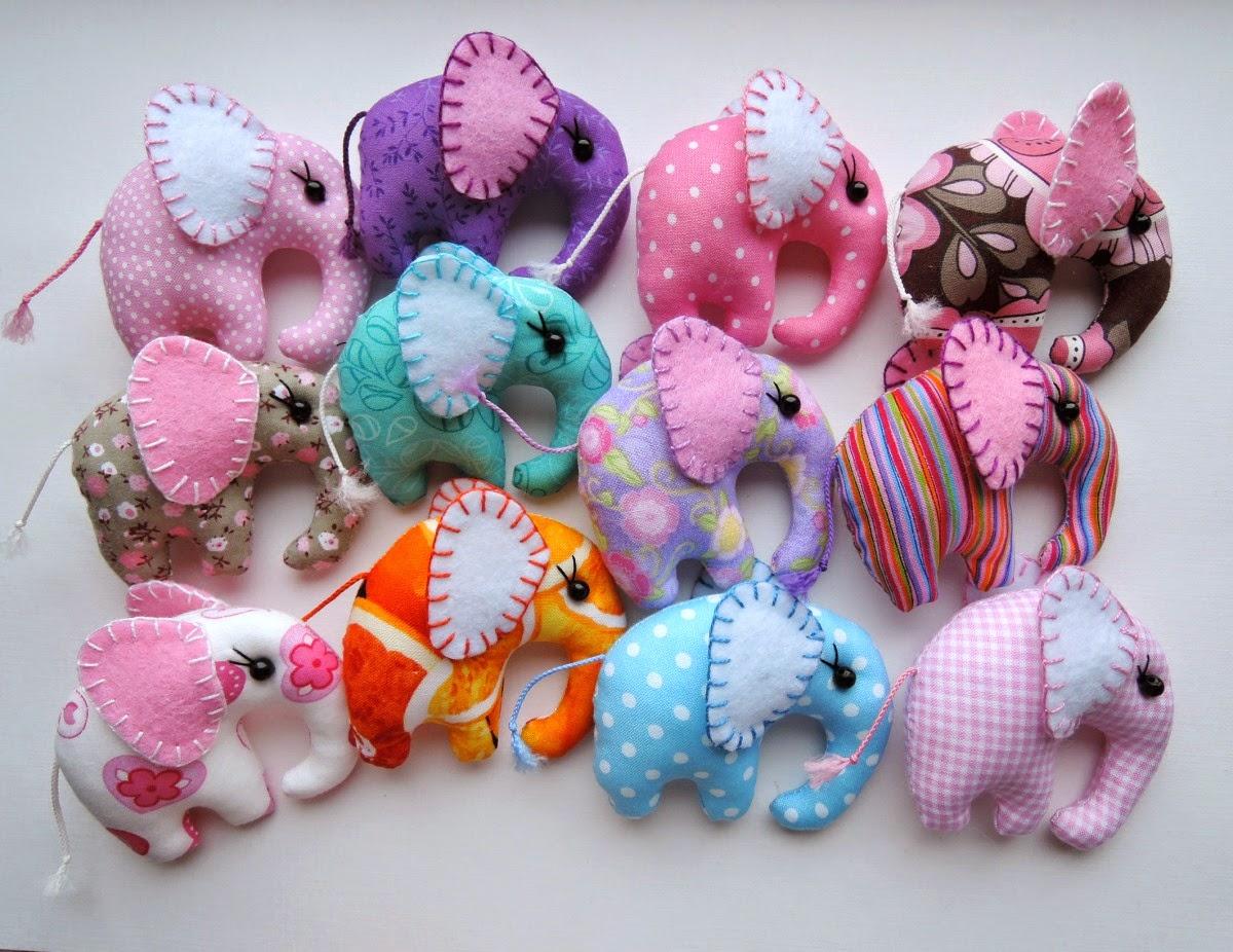 маленькие слонята