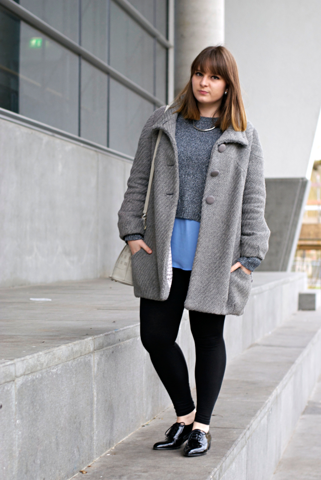 outfit grey coat silver blue fashion blogger luxembourg ice rink
