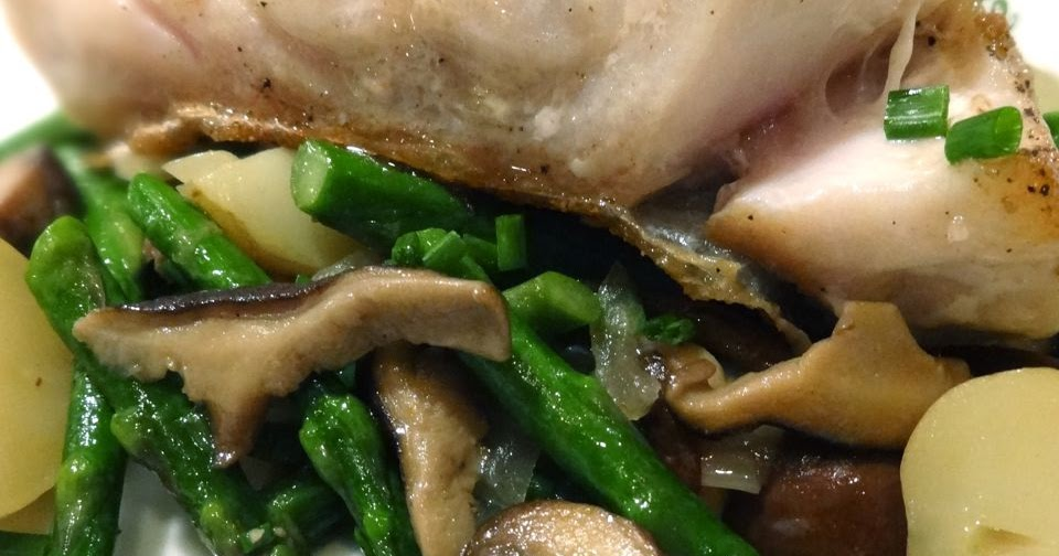 Scrumpdillyicious: Pan Seared Tilefish with Wild Mushrooms & Asparagus