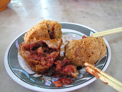 Fried Taro Dumplings, Malaysian cuisine, taro, yam, roast pork, pork, lunch, Bidor, Pun Chun