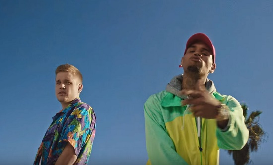 Cal Scruby - Ain't Shit Change (Feat. Chris Brown) [Vídeo]