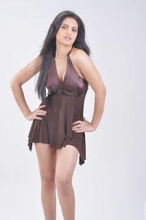 Actress-Ritu-Kaur-Hot-Photos_actressphotoszone.blogspot.com_13.jpg