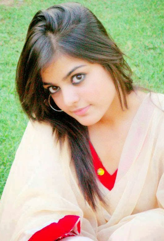 Beautiful Eyes of Sexy Pakistani Girls