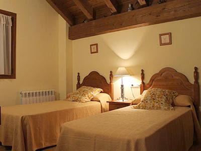 Dormitorio doble del albergue Irugoienea (foto cedida).