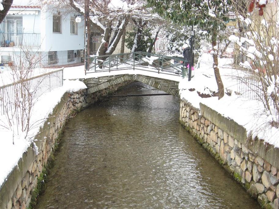 Χιονισμένο γεφυράκι