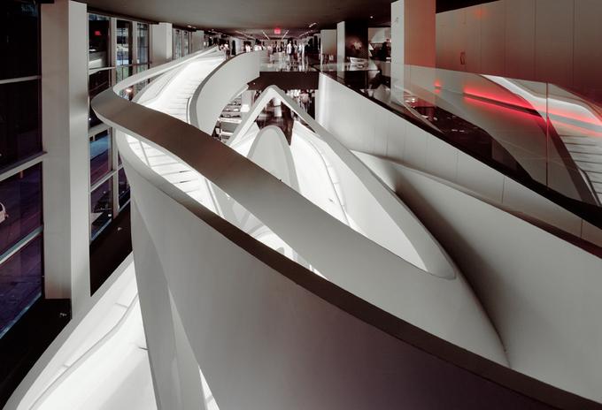 Loja da Armani na 5ª Avenida em Nova York - interior - escadarias