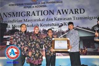 Gubernur NTB Raih Anugerah Transmigration Award 2012