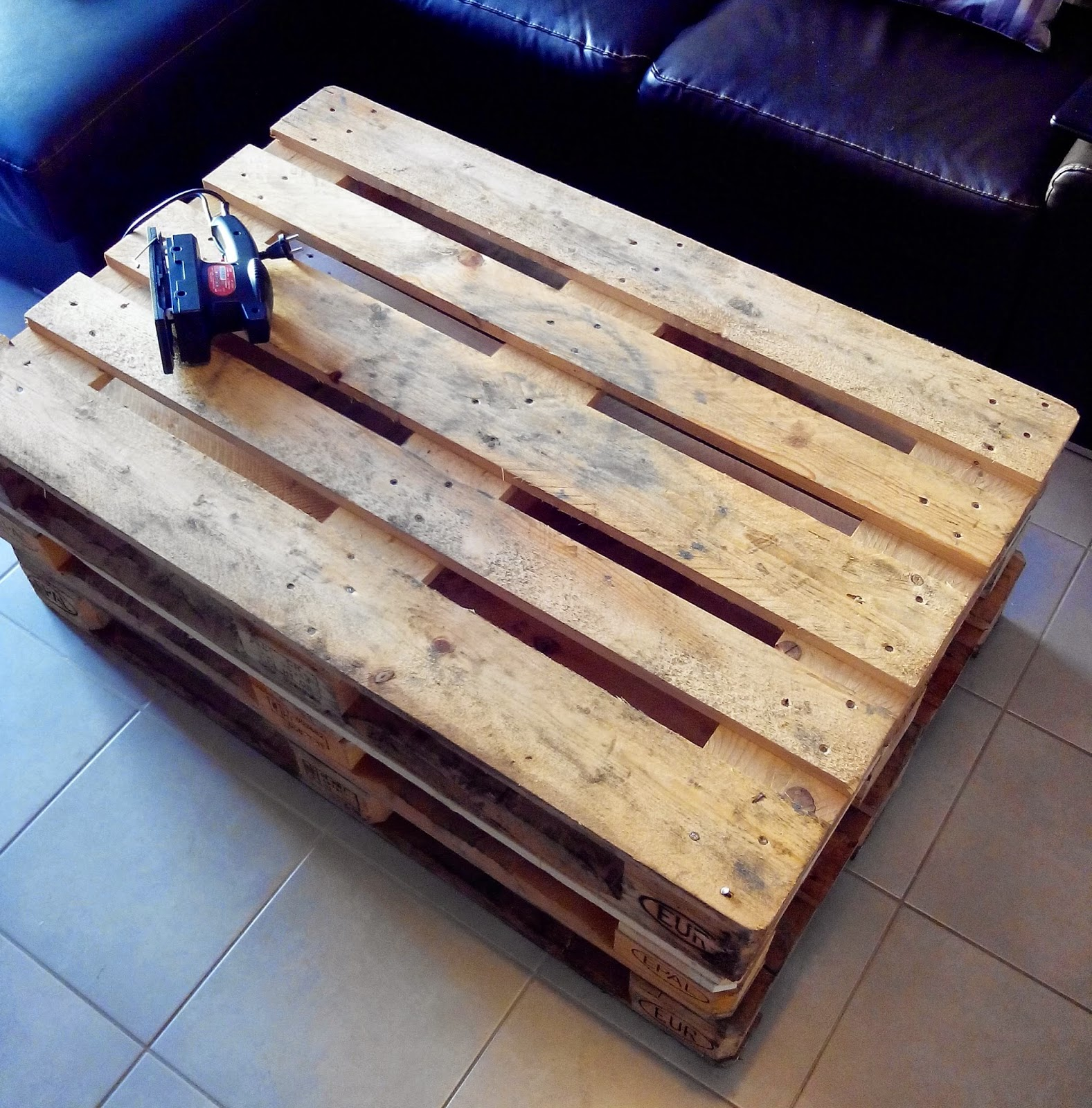 Do it yourself la table basse en palette bull 39 elodie - Recuperer palette leroy merlin ...