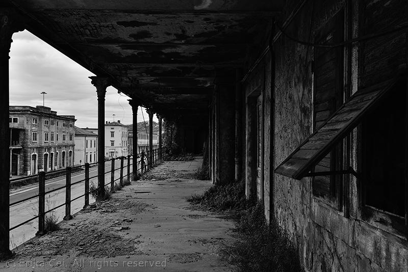 Trieste Porto Vecchio ballatoio