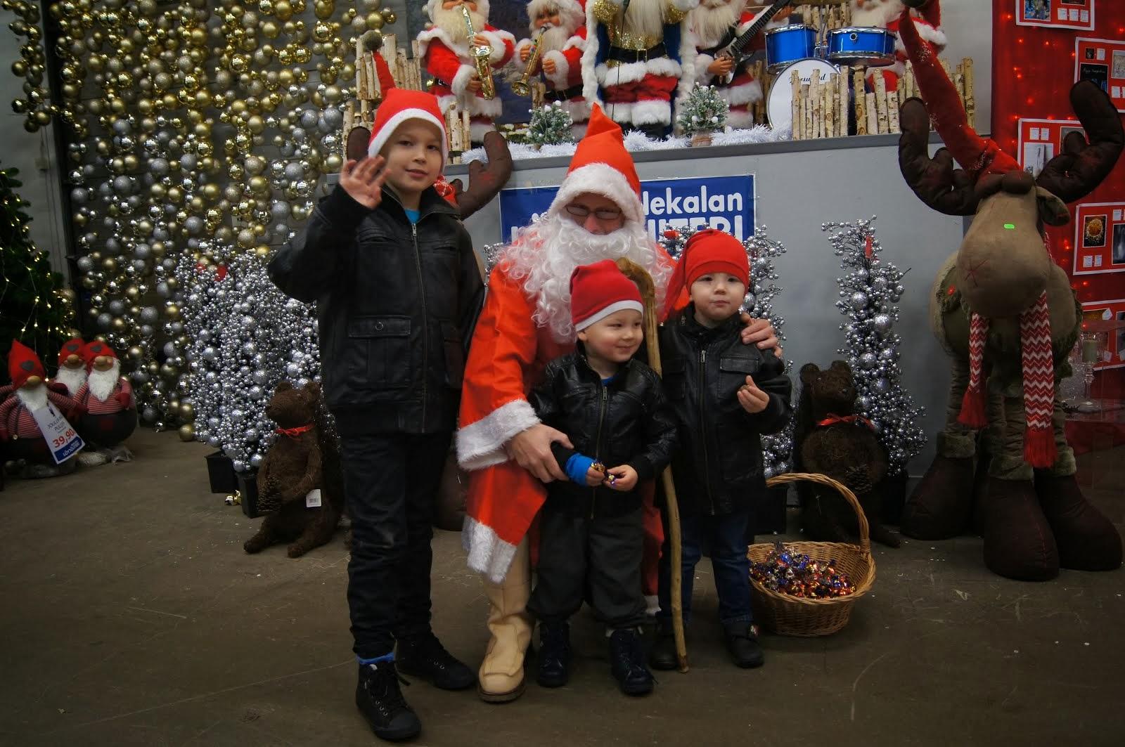 Joulupukki Tampere, Pirkkala keskusta-alueille ensisijassa aaton klo 14-18:30 ajoille