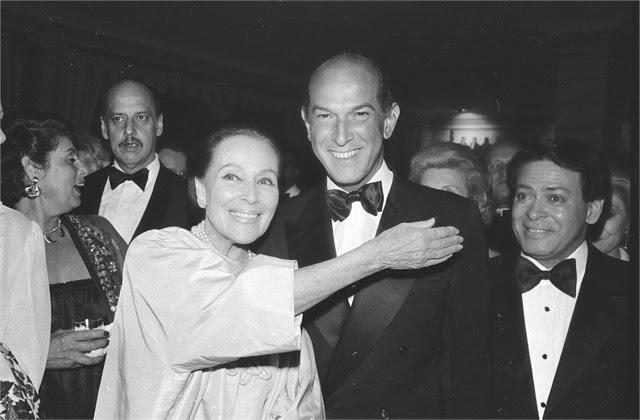 Oscar de la Renta with Dolores del Rio by AP Images | Ses Rêveries