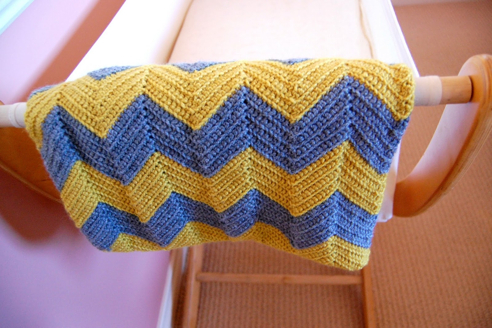 Free Crochet Pattern Baby Blanket Chevron : Yellow Dandy : DIY Crochet Chevron Baby Blanket
