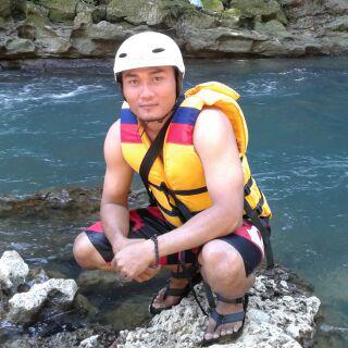 Tour Leader layanan Paket Wisata Green Canyon dan Body Rafting