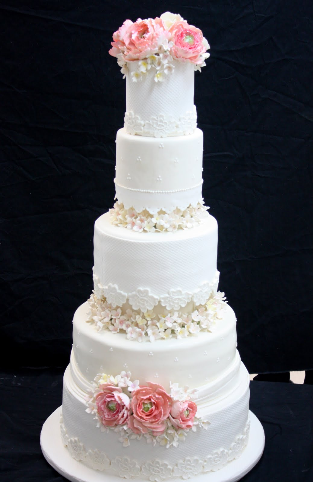 Champagne Wedding Cake Viewing Gallery