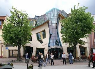 Αυτά είναι τα «μεθυσμένα» σπίτια της πόλης Sopot της Πολωνίας!